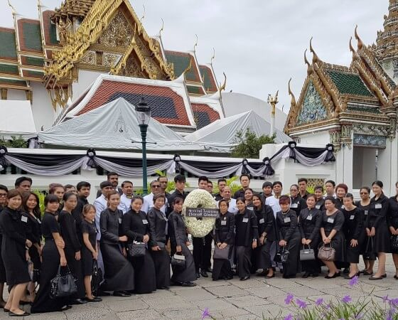 (8 June 2017) – Saraff Global Team in Bangkok joined the royal ceremony and paid respect to the beloved late H.M. The King Bhumibol Adulyadej.